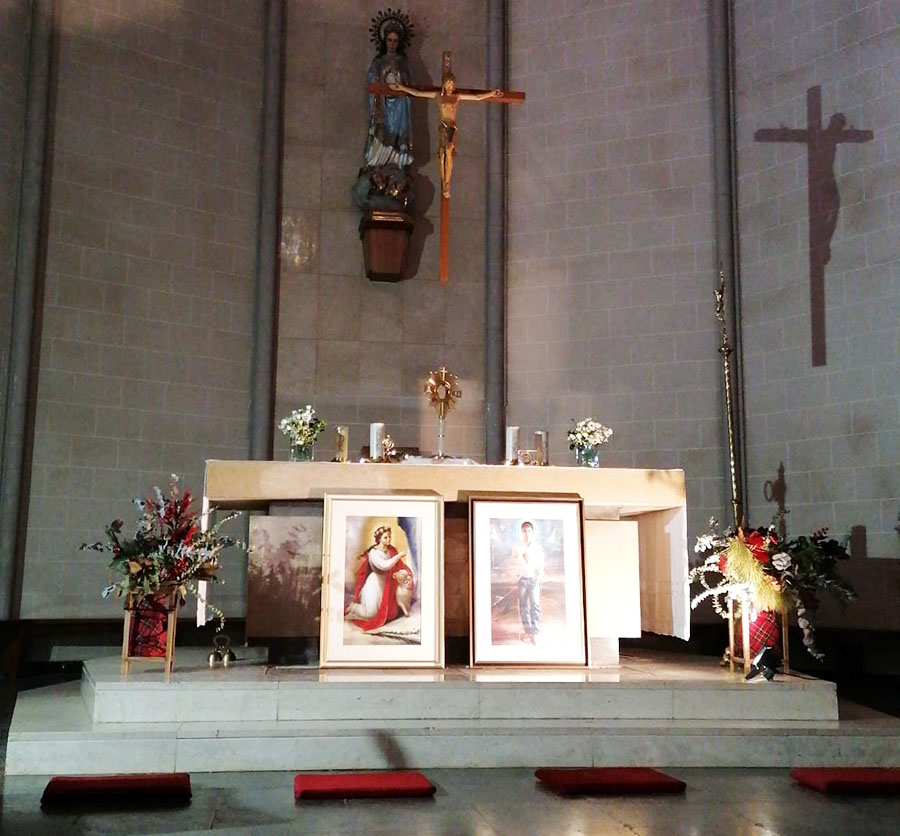 Capilla del Monasterio de Santa Isabel, con los cuadros de san Inés y san José Sánchez del Río, patronos del ECYD