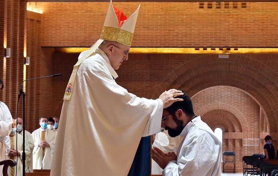 El Cardenal Carlos Osoro, ordena diácono a Ignacio Rubio